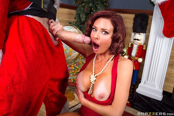 Veronica Avluv –  Squirting On Santa – MilfsLikeItBig