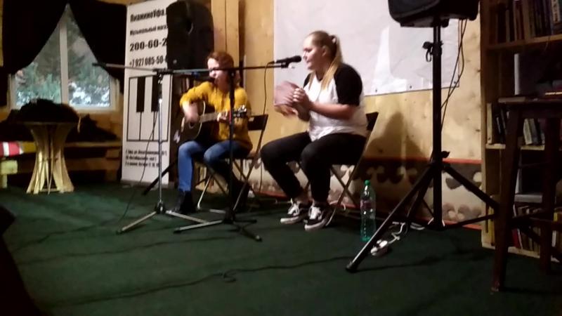 девушки в ватане поют с питера VID 20180126 202841 1