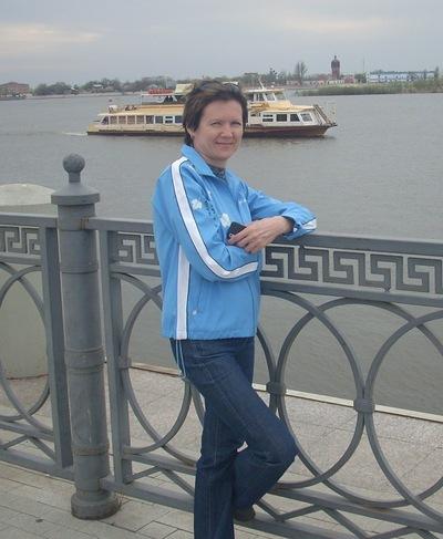 Елена Толстова