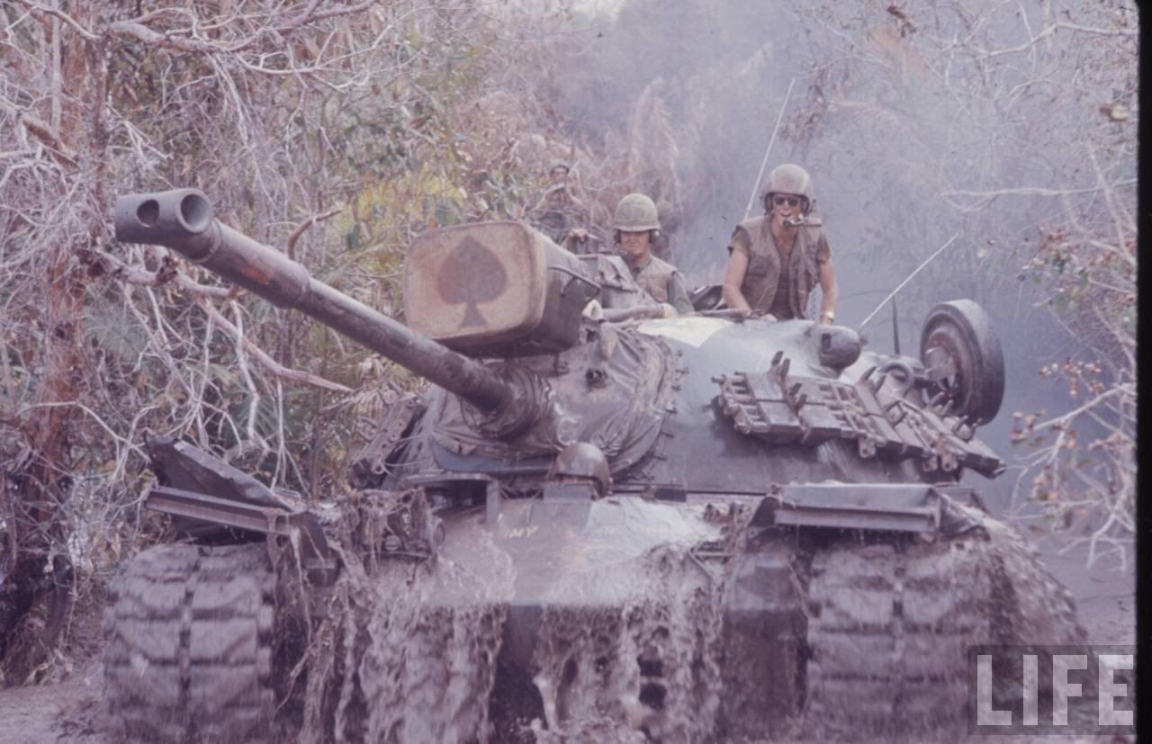 guerre du vietnam - Page 2 DQzxC46YTu4