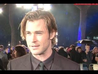 Thor: The Dark World | Chris Hemsworth, Natalie Portman and Tom Hiddleston attend premiere