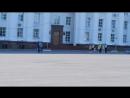 Концерт перед пустой площадью во время митинга на пл.Ленина