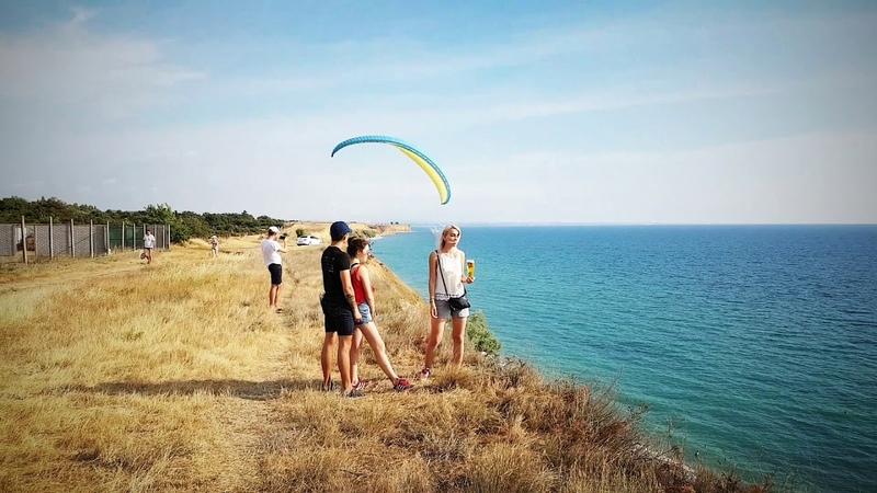 Парапланерист украл пиво у туриста в Крыму