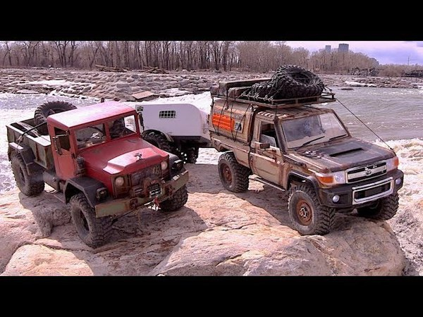 LC70 with trailer and HC4 at Harvie Passage in Scale Town - RC CWR