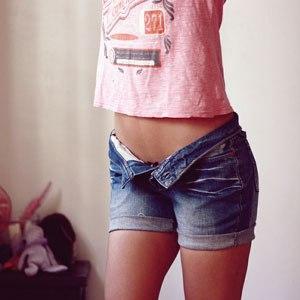 Переделываем в шорты старые джинсы
