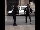 Прохожий перетанцевал уличного танцора