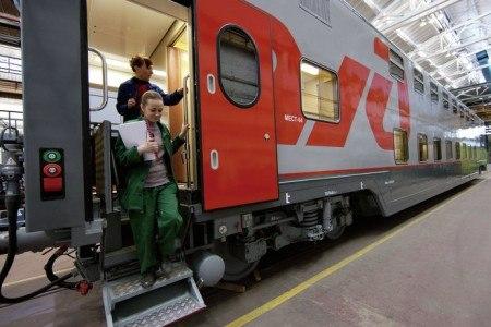 В Ростов прибыл первый двухэтажный пассажирский поезд с сенсорными панелями в туалетах