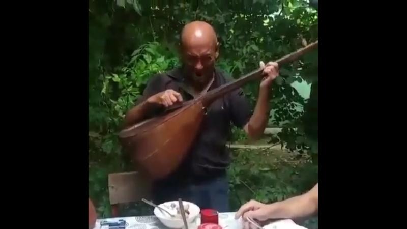 Азербайджанский ашуг красиво спел для друзей от души в душу Азербайджан Azerbaijan Azerbaycan БАКУ BAKU BAKI Карабах 2018 HD 18