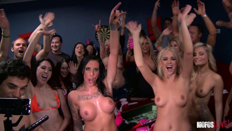 Mofos Live 19 : DORM PARTY! Jessa Rhodes, Charli Shiin, Austin Lynn