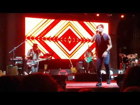 Fabrizio Moro live @ Brescia : C'è tutto quello che volevi, Soluzioni, Tu