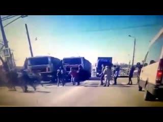 Школьники чудом увернулись от вылетевшего МАЗа в Тульской области