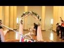 С невесты слетела юбка прямо в зале бракосочетания