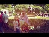 На фоне А.С.Пушкина снимается семейство... (Праздник Поэзии)
