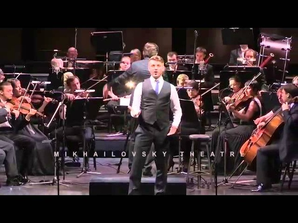 Andrey Zhilikhovsky sings Figaro's aria from Il Barbiere di Siviglia at the Mikhailovsky Theatre