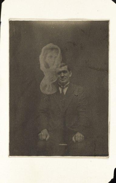 Фотографії з привидами