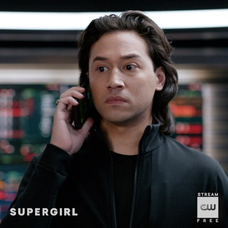 """Supergirl on Instagram """"The ONLY way to ask a girl out. Stream the latest free on The CW App link in bio. Supergirl"""""""