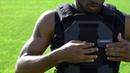 Демонстрация тренировочного жилета с весом Weight Training Vest LBT WTV в ходе беговых тренировок
