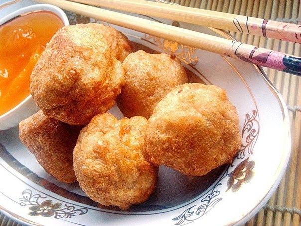 рисовые шарики с абрикосовым сиропом что нужно: рис - 100 гвода - 400 млмука в/с - 150 гразрыхлитель для теста - 1 ч. л.яйцо - 2 шт.сахарный песок - 2 ст. л.молотая корица - 1/2 ч. л.молотый