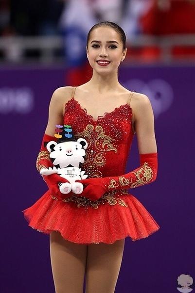 Алина Загитова стала абсолютной мировой рекордсменкой в женском одиночном катании