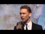 Tom Hiddleston singing Man in The Mirror, Seoul (originally by Michael Jackson)