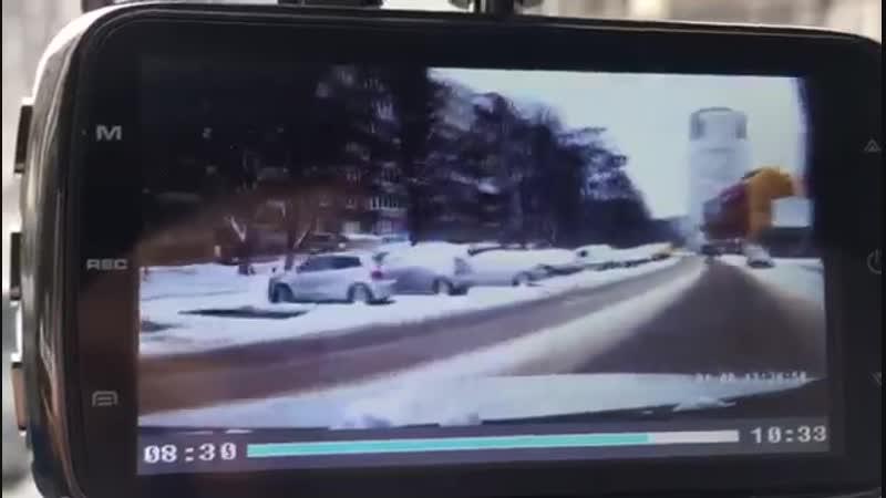 Трэш авария с вылетом на парковку через встречную полосу! Расхерачил перед!
