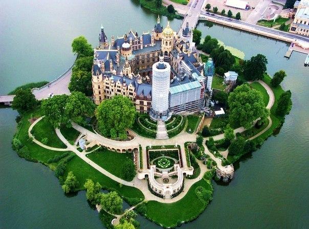 Германия. Шверинский замок Ro-JYux_3w8