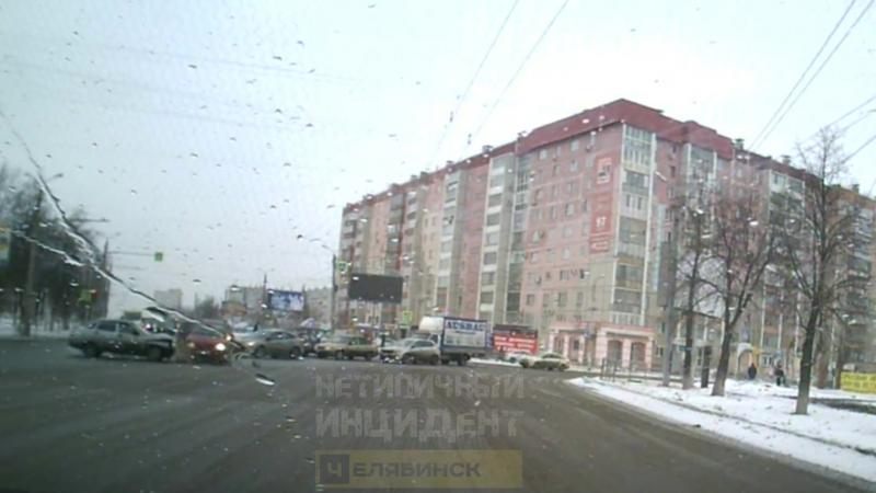 ДТП. Челябинск, Комсомольский - Чайковского (20.03.18)