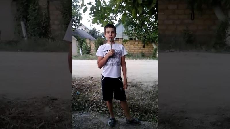 Вечерний Голос- лучше это мальчика никто не поет! Очень красивый голос!