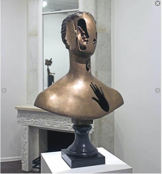 Бюст «Душа», 1995 год. Бронза. Автор: Александр Бурганов