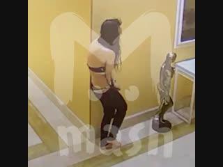 Полуголая проститутка разгромила элитный отель в Москва-Сити