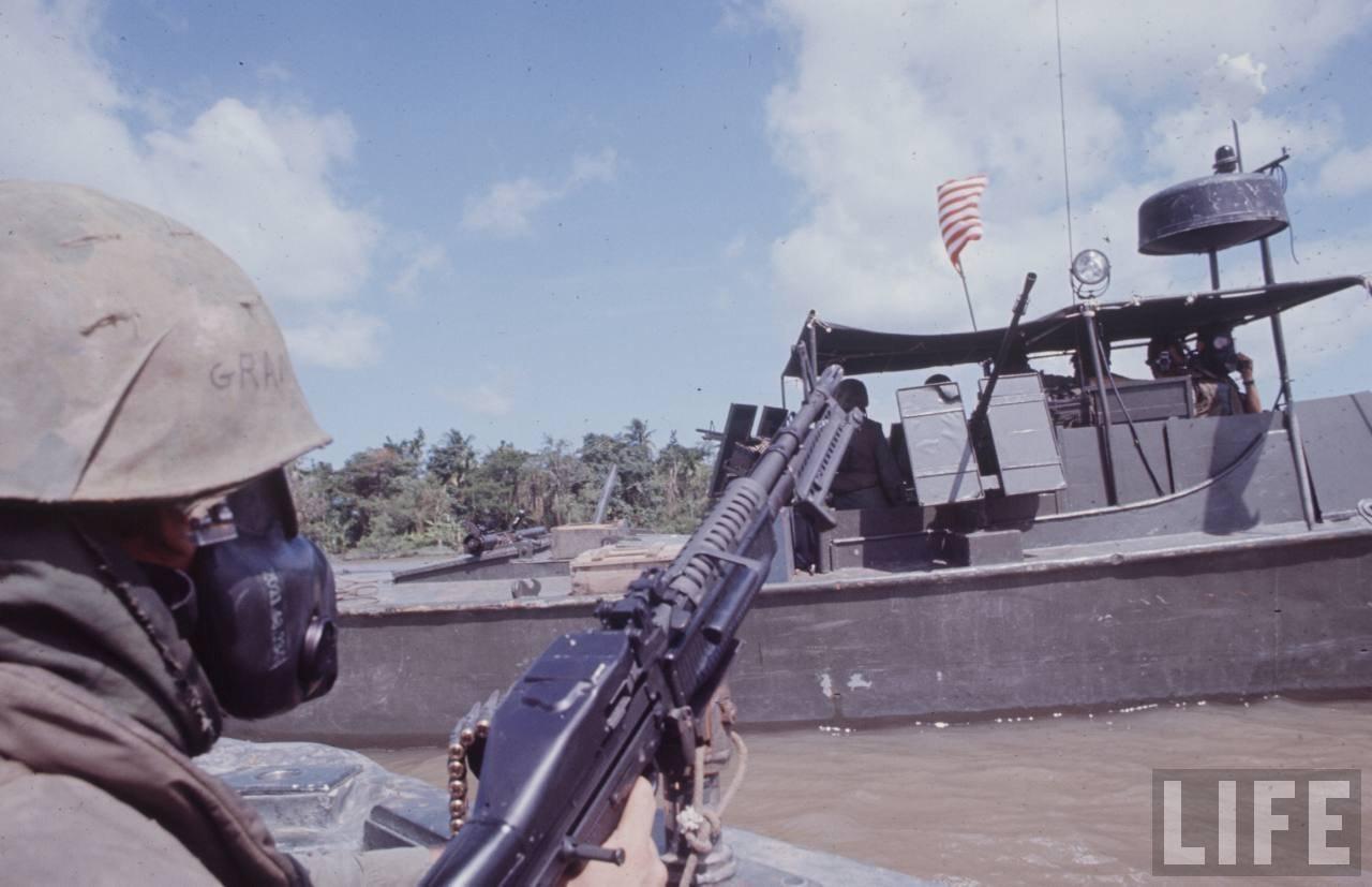 guerre du vietnam - Page 2 Ci1t-7M9dws