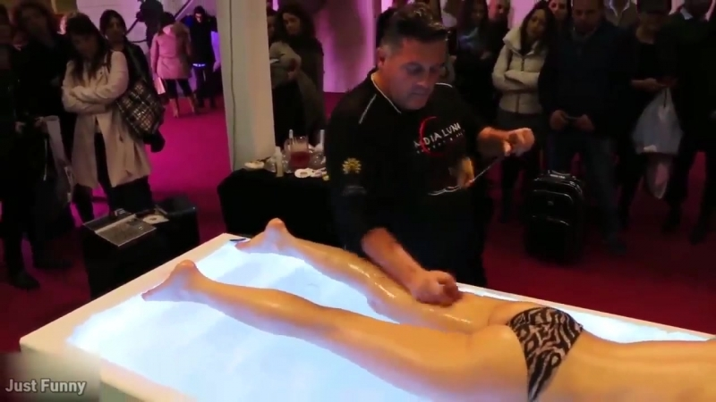 PEOPLE ARE AWESOME 2017 - His Handskill that win a massage contest - Best Massag