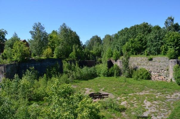 Бассейн Петровского дока