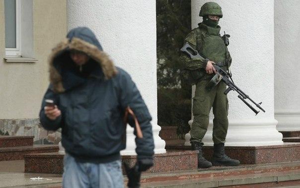 التصعيد العسكري الروسي بشبه جزيرة القرم الأوكرانية  SZHNt8Epo8Y