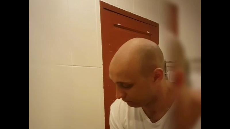 How shave bald guys😂. Как бреются лысые парни. 😂