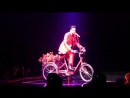 Queen Adam Lambert - Dont Stop Me Now Bicycle R ace - Park Theater LV 09-15-18