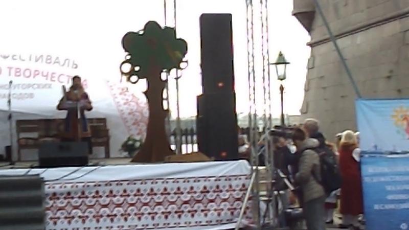 Фольклорный ансамбль из г. Надым (Ямало-Ненецкий автономный округ), песня на ненецком языке