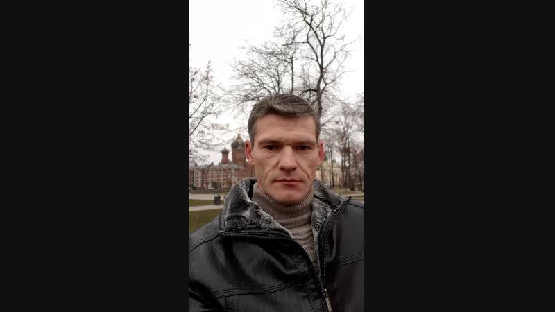 Владимир в Кремлёвском сквере продемонстрировал новую куртку.