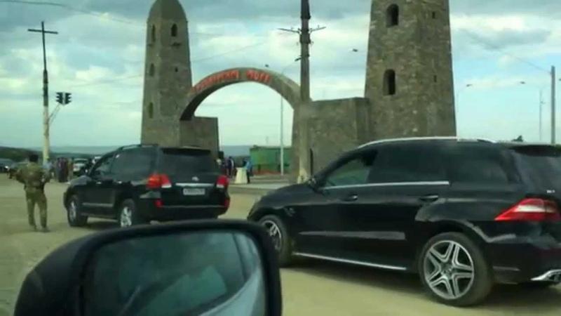Июль 2014 г Грозный проезд по пос Черноречье во время открытия Дамбы