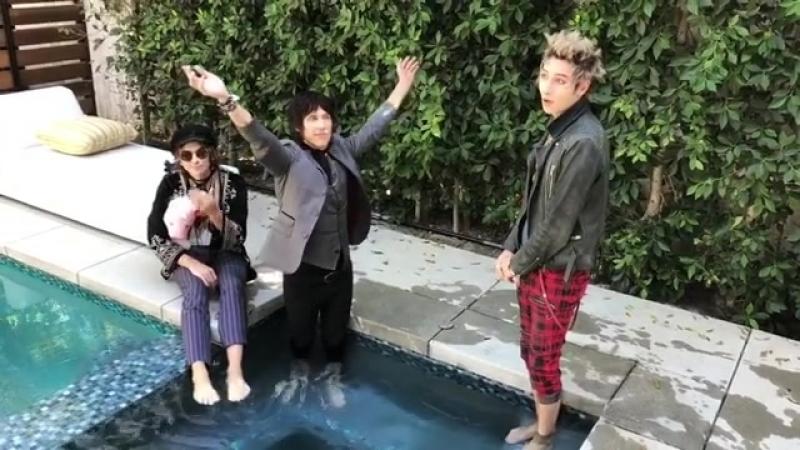 Palaye Royale Hot tub