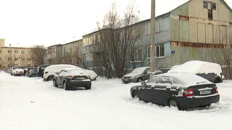 Машины мешают уборке снега 12