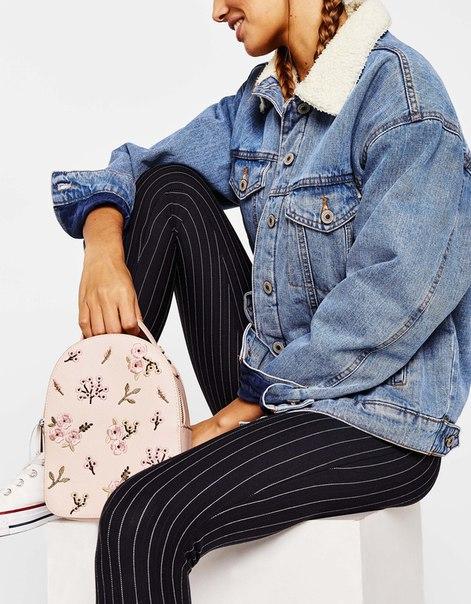 Мини-рюкзак с вышивкой