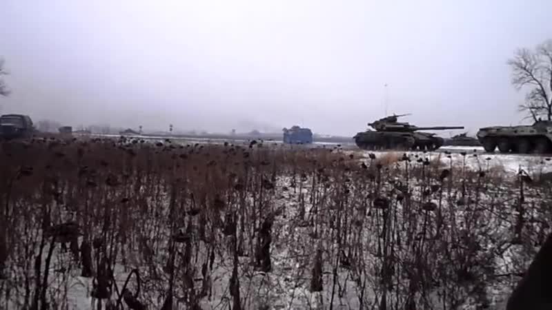 Донецк, посёлок Спартак. 22 января, 2015. Начало разгрома колонны. Ополченец снимает.