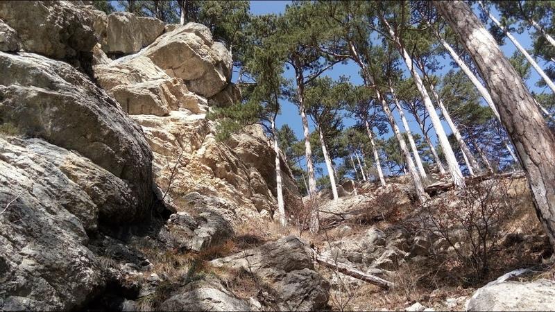 Таракташская тропа Источник каптаж 1904 г река Водопадная верховья