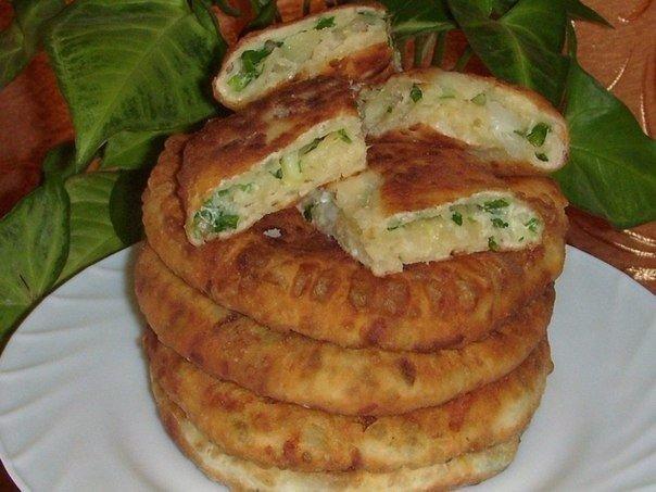 Сырные лепёшки с зелёным луком! Ингредиенты: Тесто: 100 мл. кефира+0.5