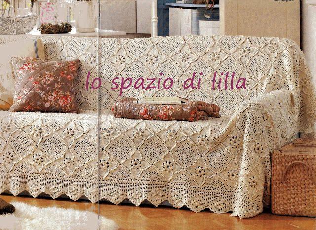 Покрывало и подушки красивыми