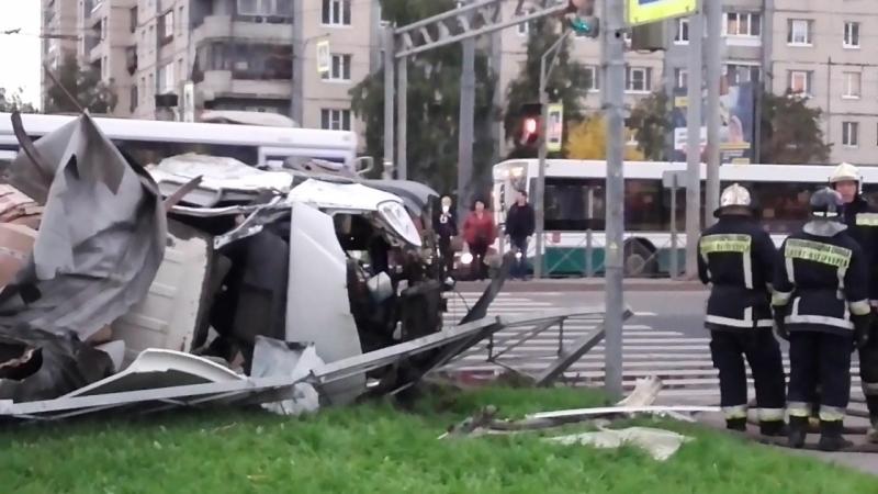 Авария на углу Хасанской / Индустриального 01.10.2017