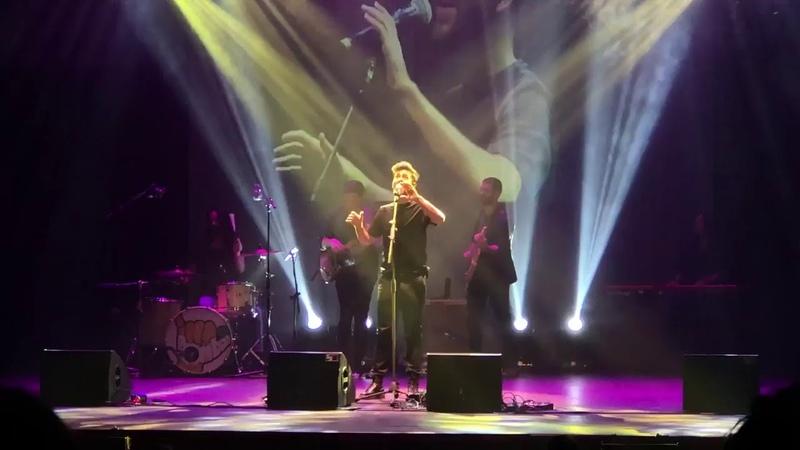 Agoney canta El Amor que soñé en el Teatro Olympia de Valencia (vídeo N°2 más largo) 20-11-18