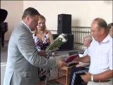 И.о. главы администрации ЗАТО Северск Николай Диденко вручил памятный знак