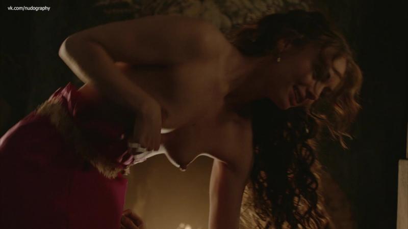 Лора Хэддок (Laura Haddock) голая в сериале